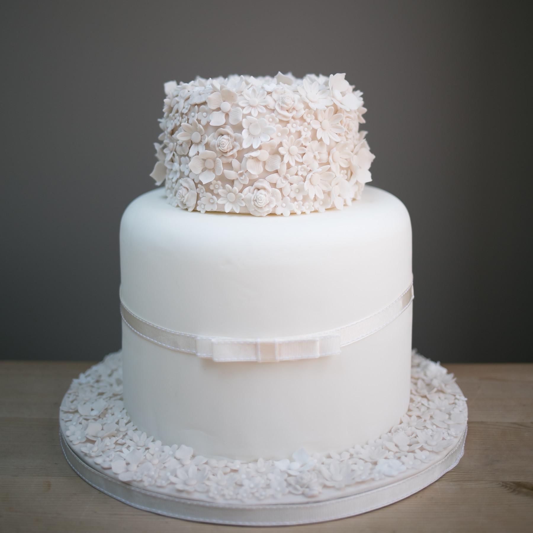 Wedding Cakes | Cake! By Chloe - Henley On Thames and Stow-on-the-Wold