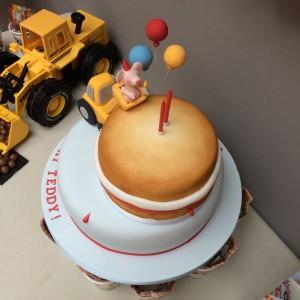 Wibbly Pig Digger Cake