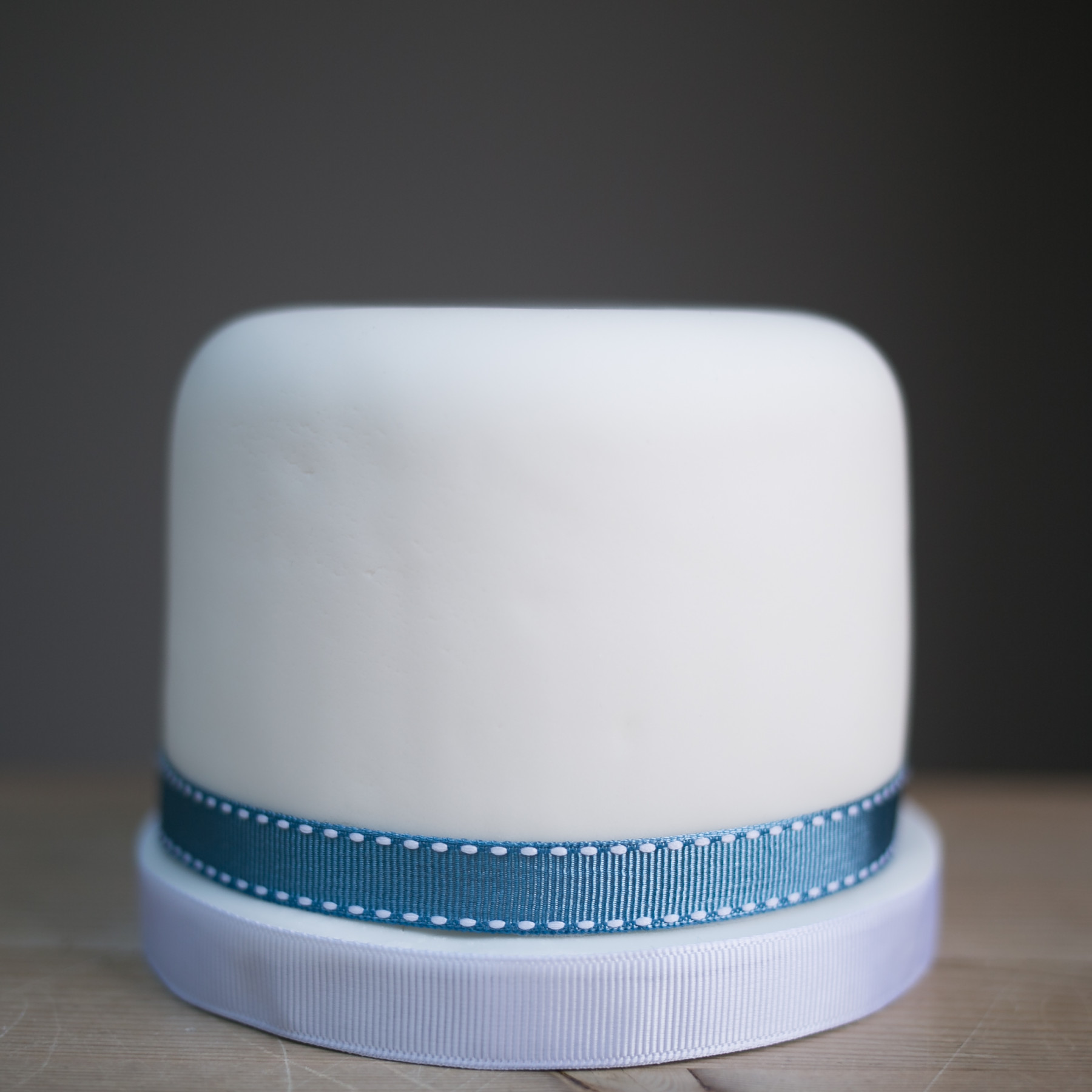 plain wedding cakes to decorate yourself simple iced cake cake by 18644
