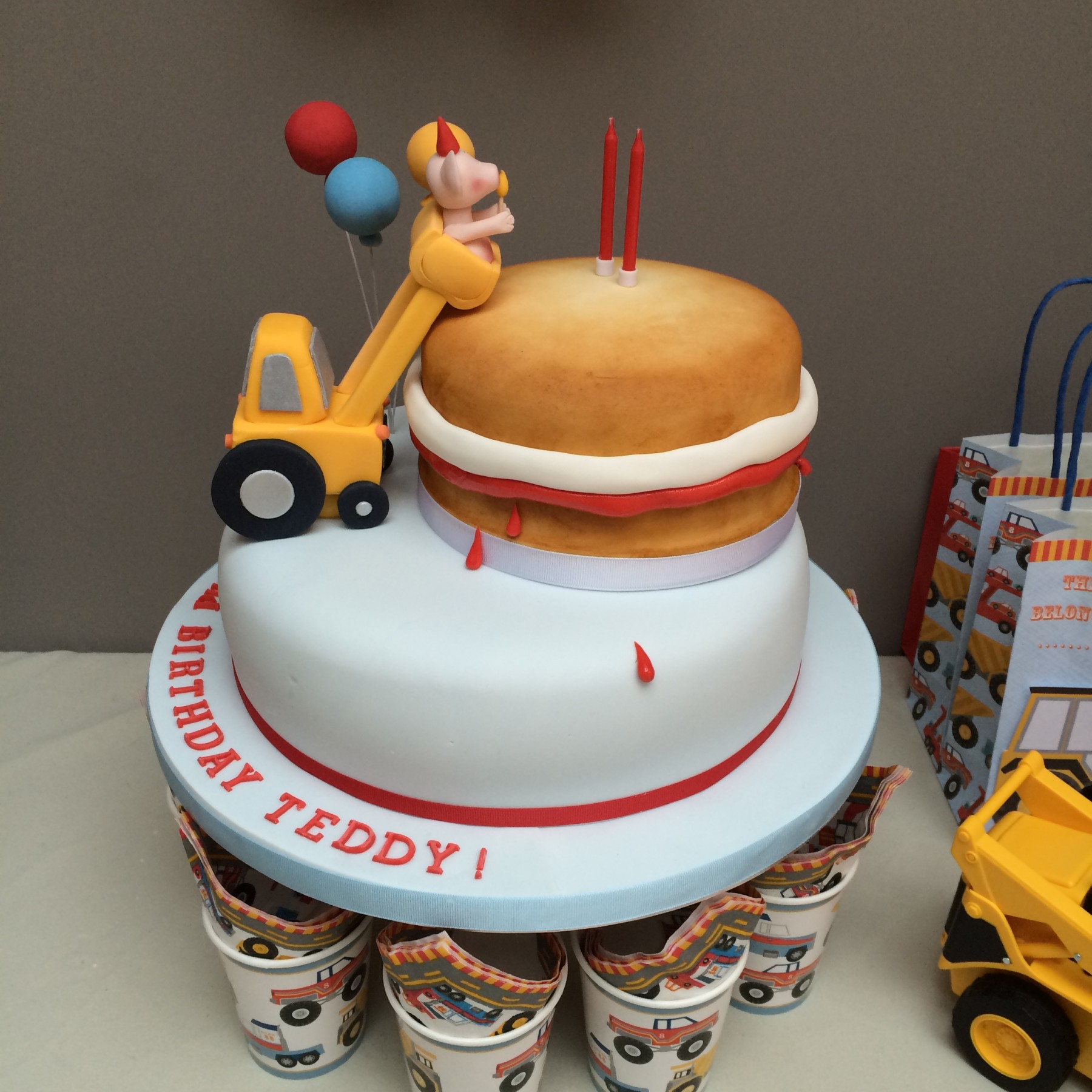 Fantastic Childrens Birthday Partys Cake By Chloe Funny Birthday Cards Online Necthendildamsfinfo